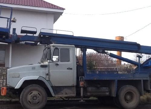 Автовышка АГП на базе Зила, телескоп 17м.